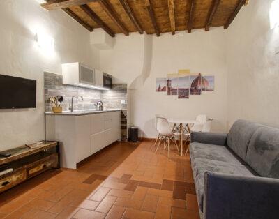 Pilastri Apartment Near Santa Croce