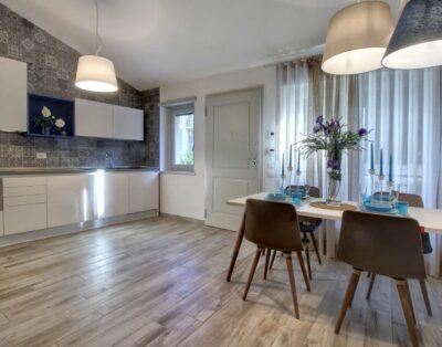 Faenza Elegant Apartment With Parking